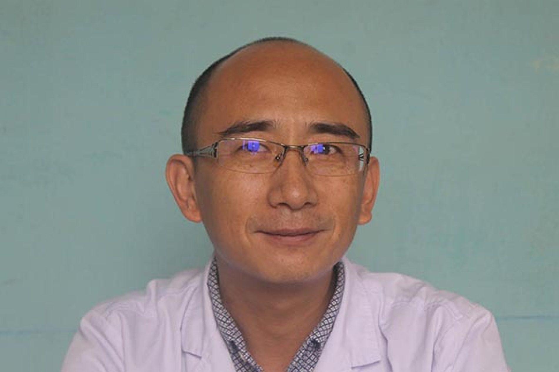 Dr Zhen Xiaoran : profession, acupuncteur