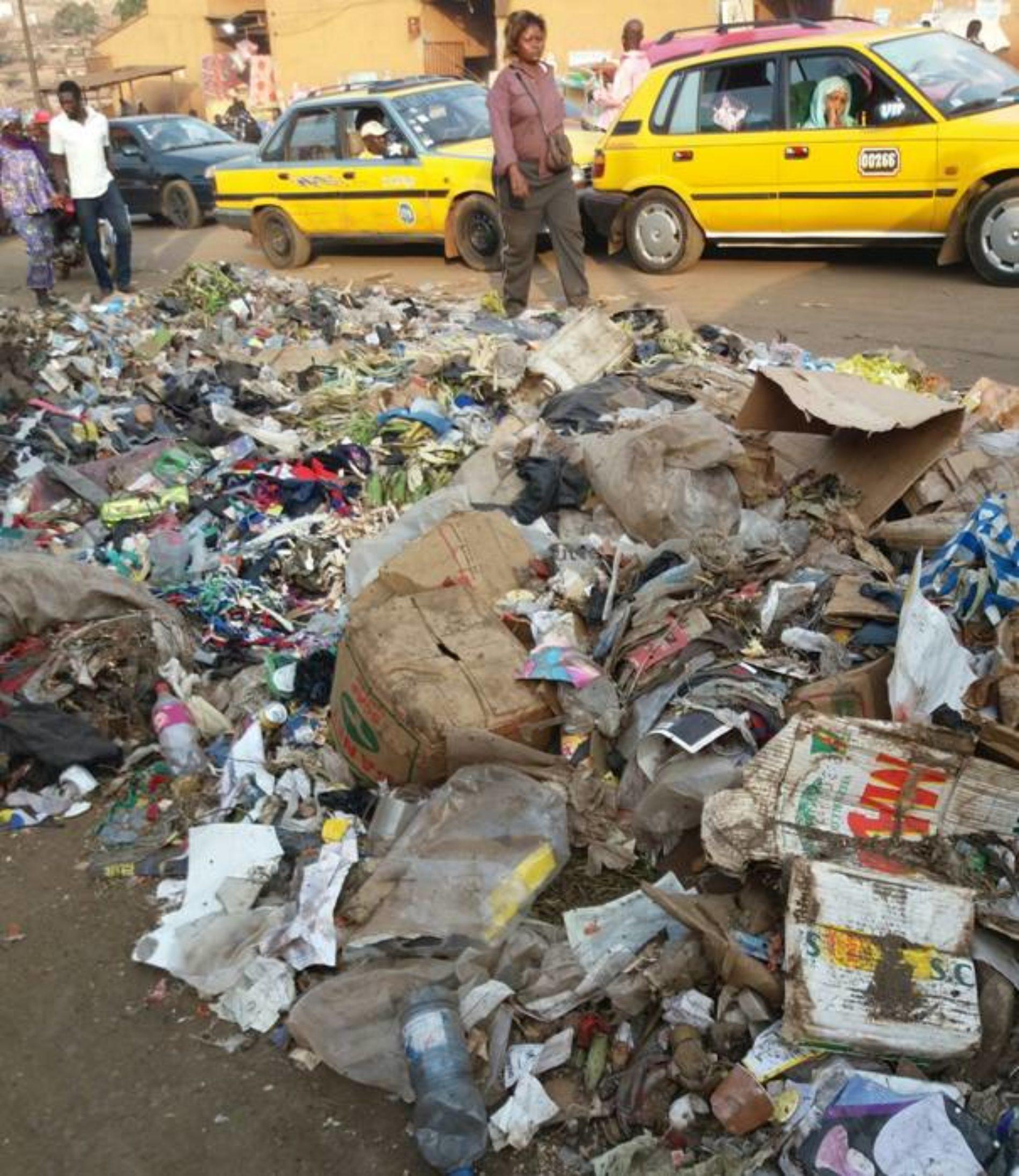 Crise des ordures : HYSACAM est là, mais aucun changement