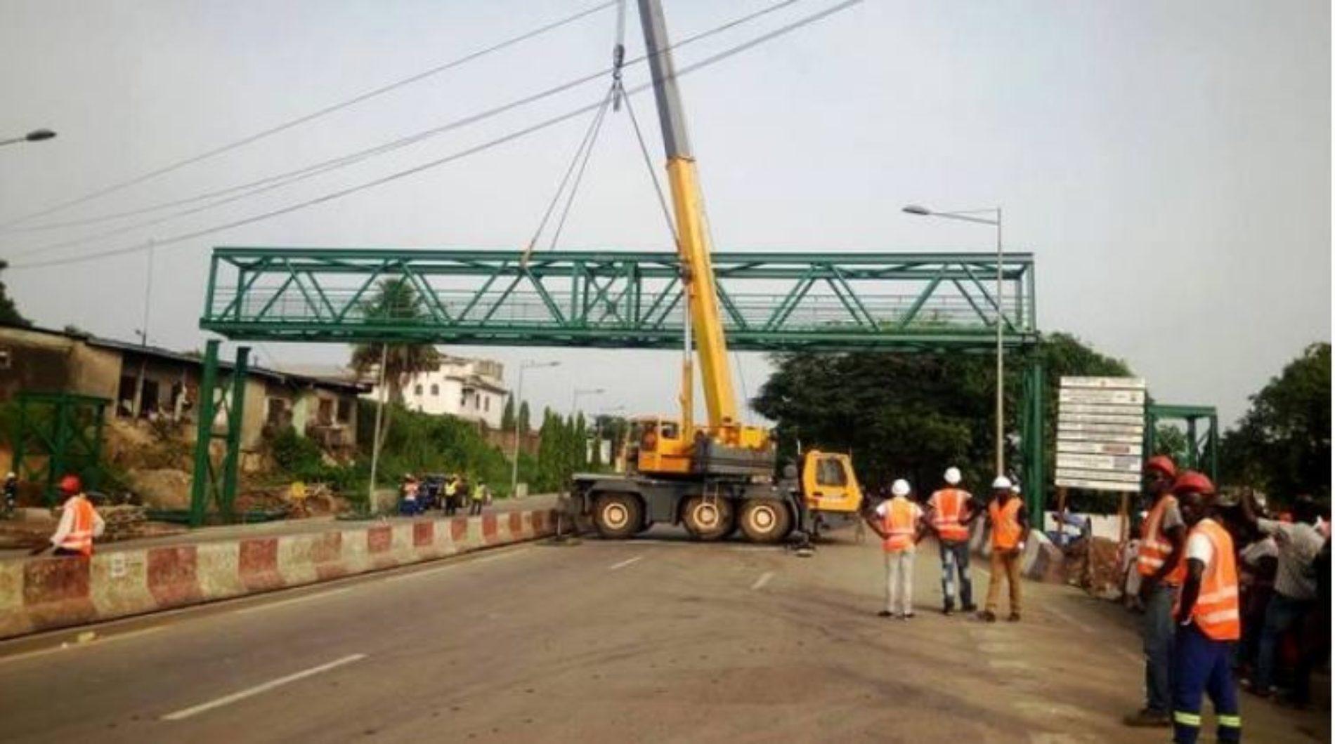 Douala – pénétrante est: la première passerelle installée