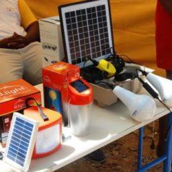 Extrême-Nord: 206 kits de lampes solaires pour les populations