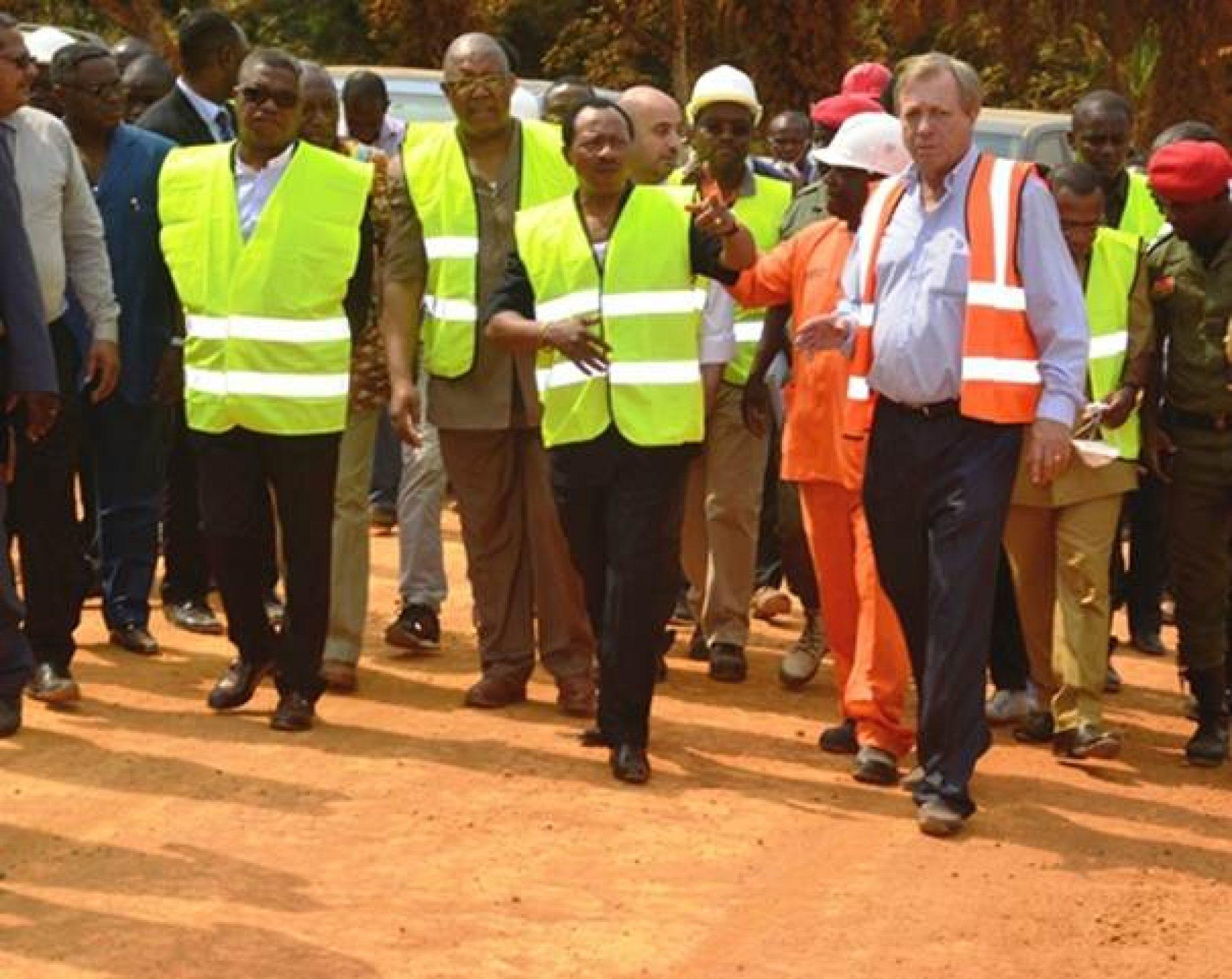 Aménagement routier: le ministre des travaux publics sur le terrain
