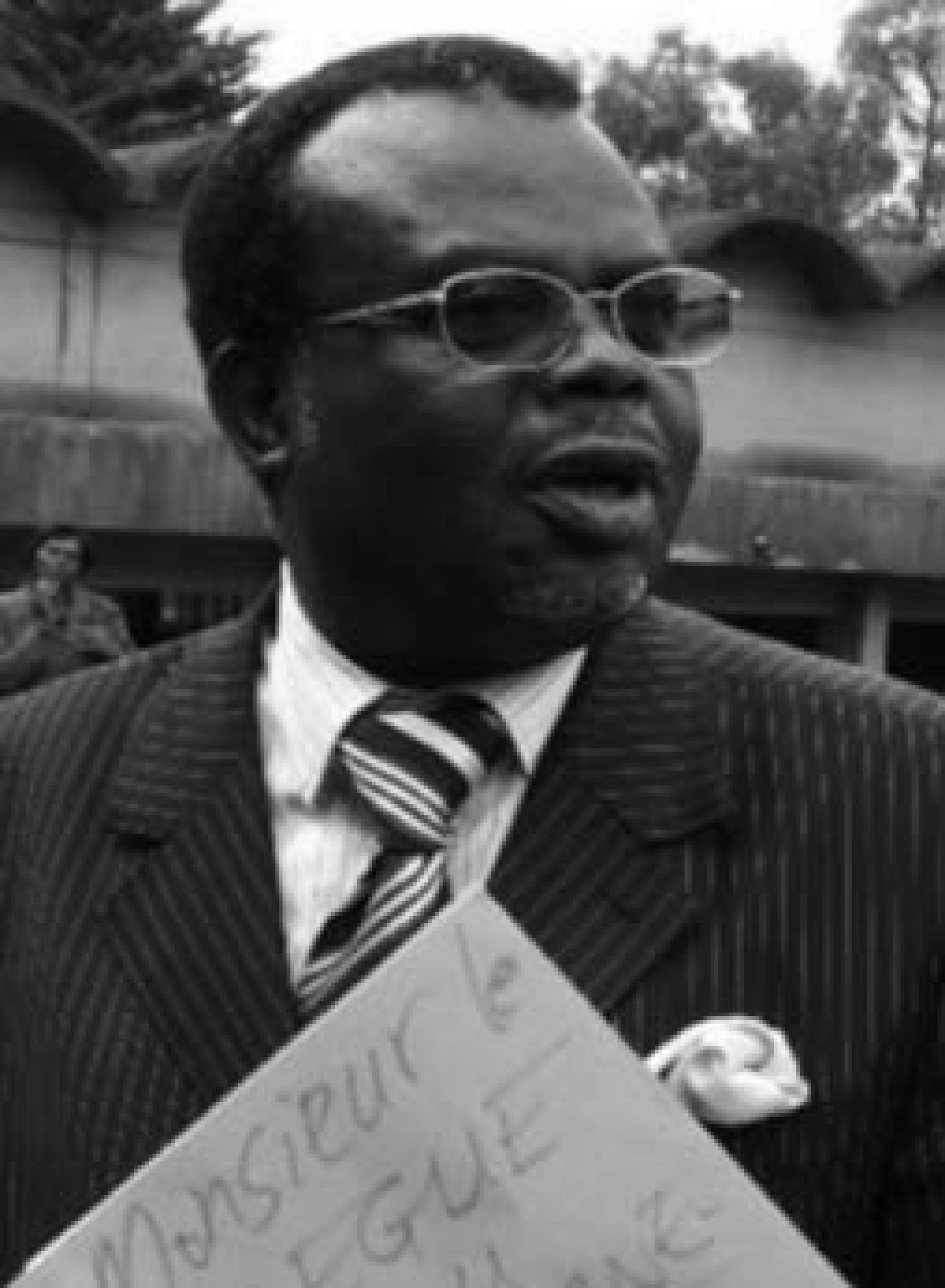 Emmanuel Nzete fait sa comm' avec faute