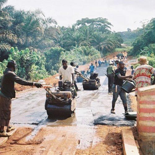 Développement local. Les maires pilotent désormais les chantiers routiers de leurs localités.