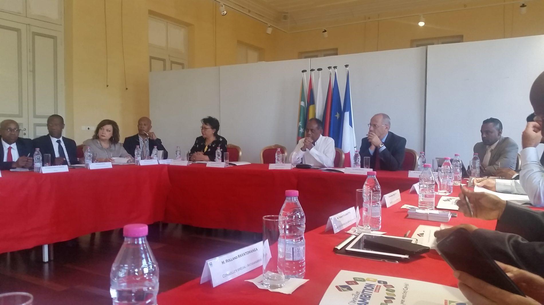 Île de la Reunion: Assisses du bureau de l'association des villes et communes de l'océan indien à saint-denis