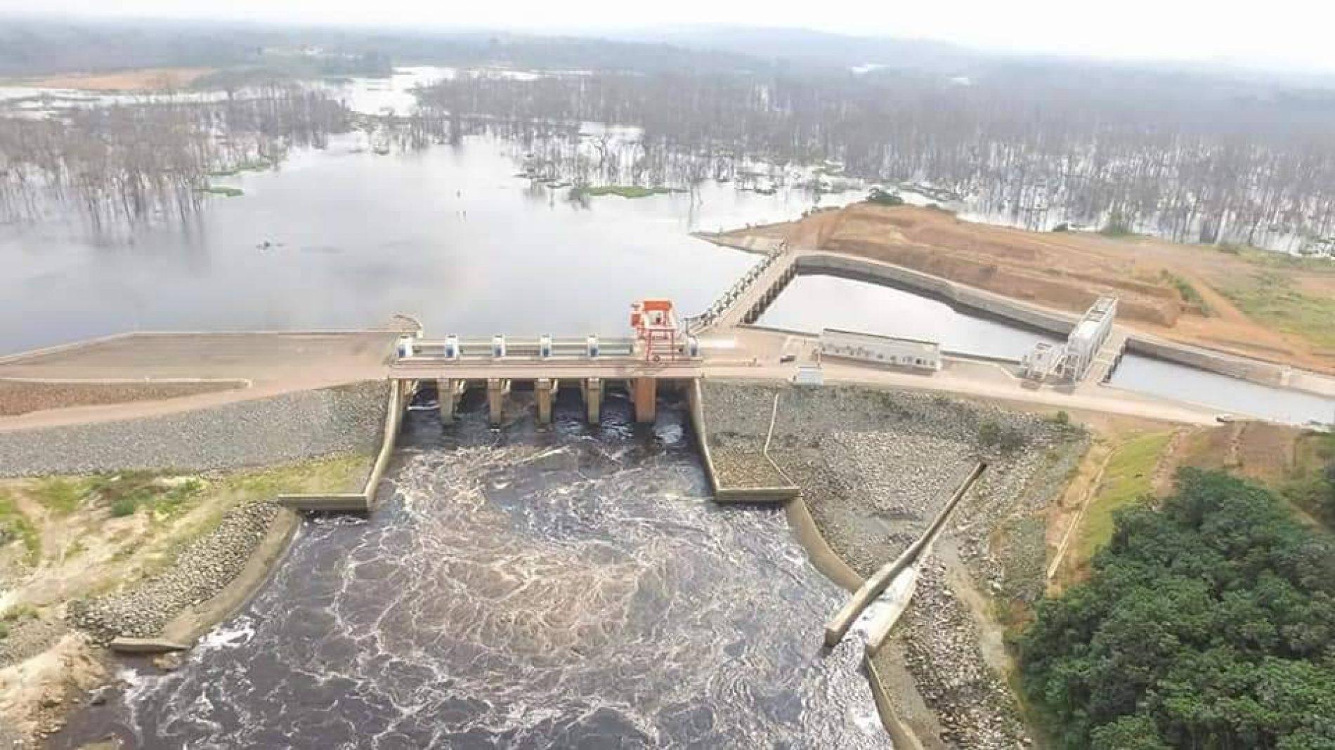 Le barrage hydroélectrique de Memve'ele : le pari du développement local