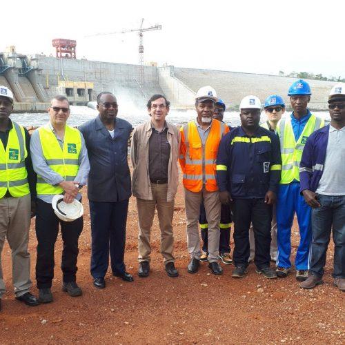 Barrage hydroélectrique de Lom Pangar : l'ambassadeur de France sur place