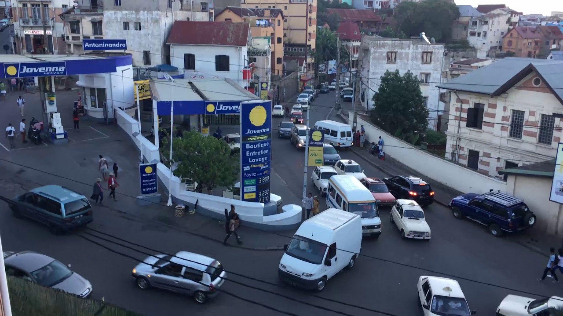 Madagascar : Interdiction de garer sur les trottoirs et les rues à double sens