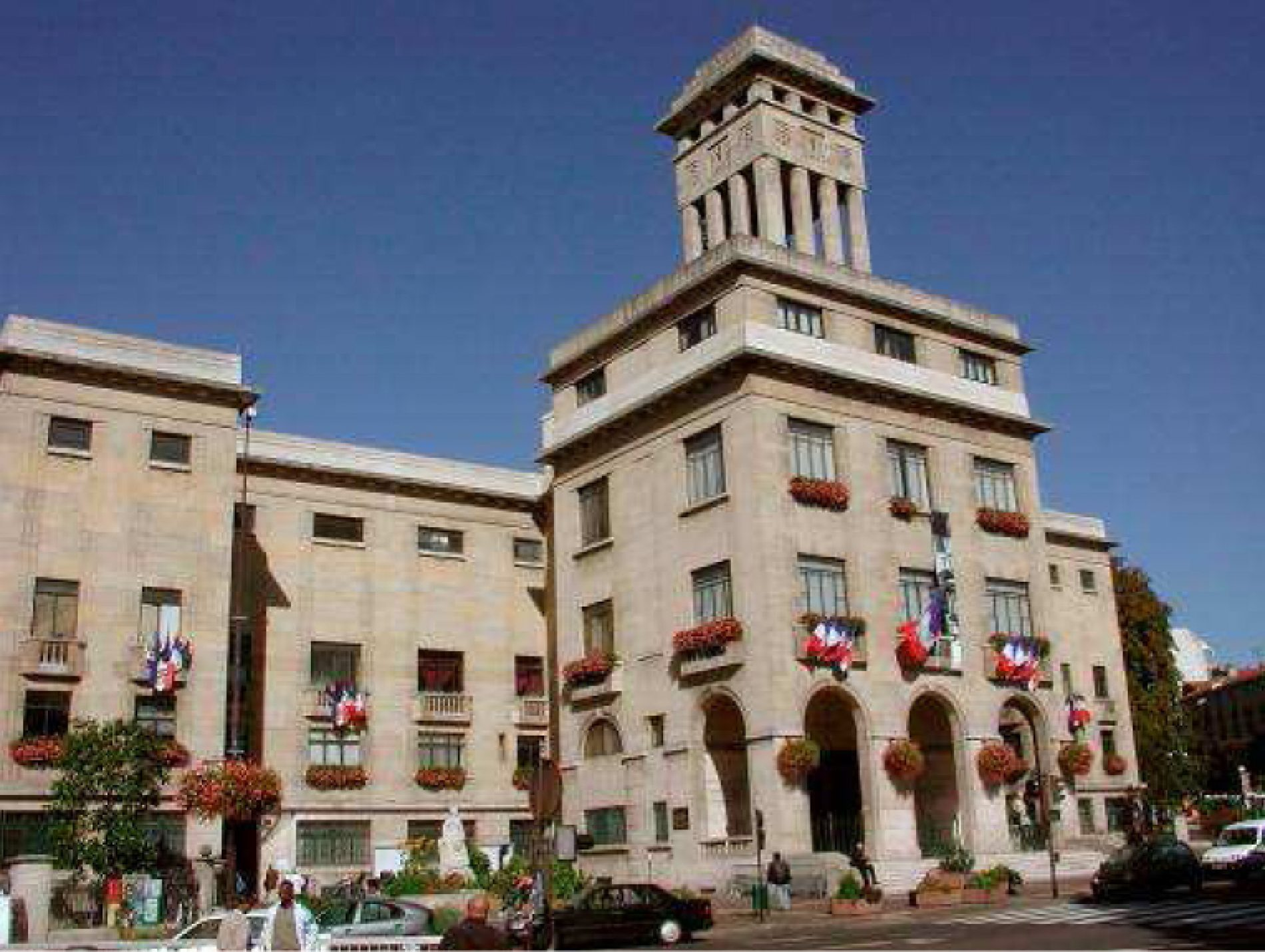 France – Mairie de Montreuil : 6 agents portent plaintes pour harcèlement morale