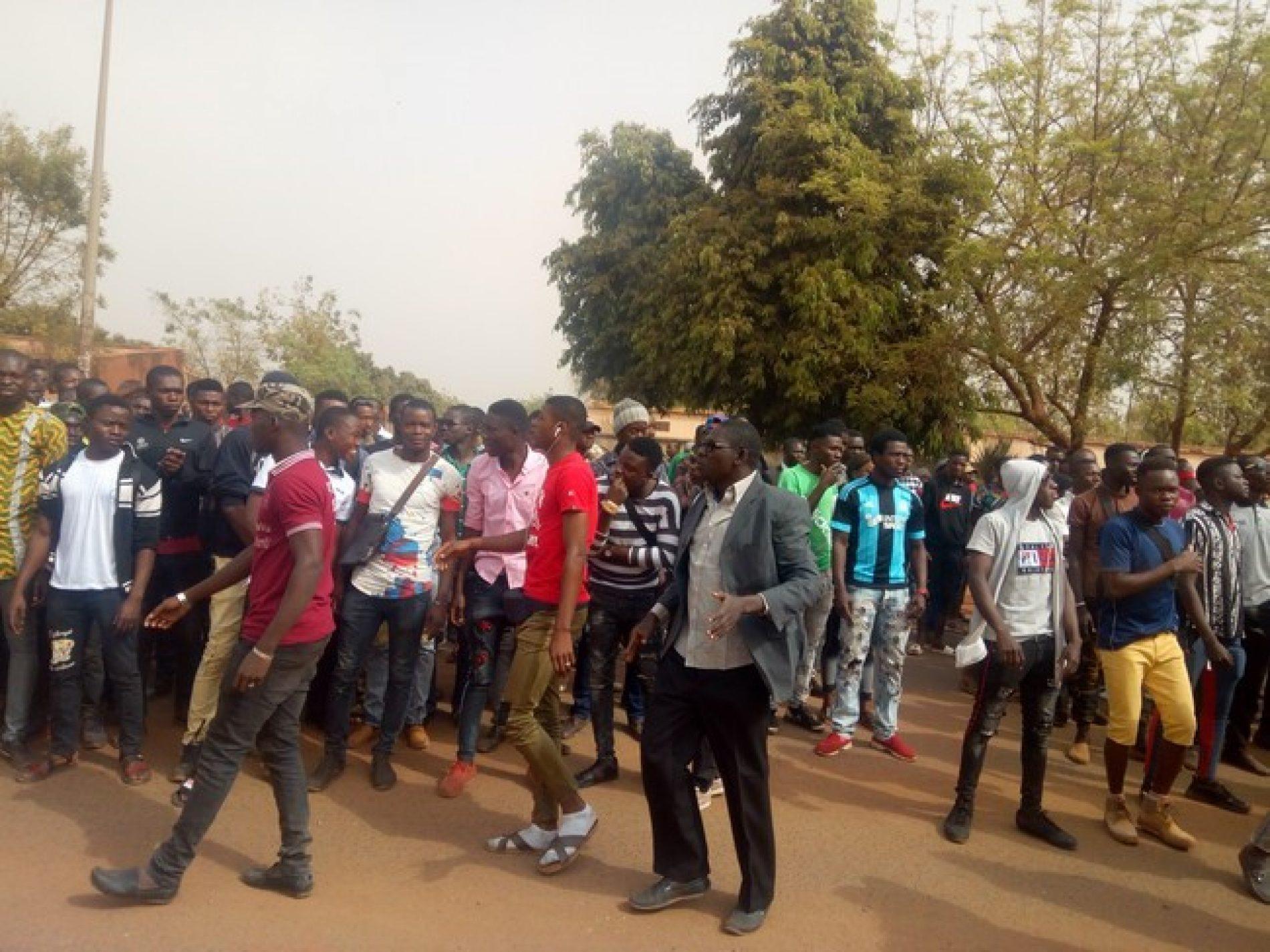 Mali – Mairie de la commune V : la population exige à nouveau le départ du maire