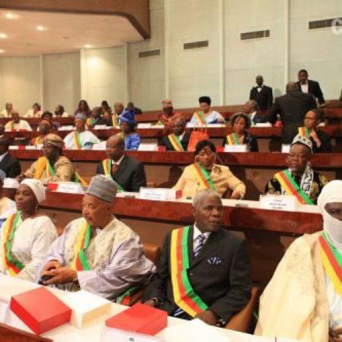 Sénat: Six projets de loi en examen