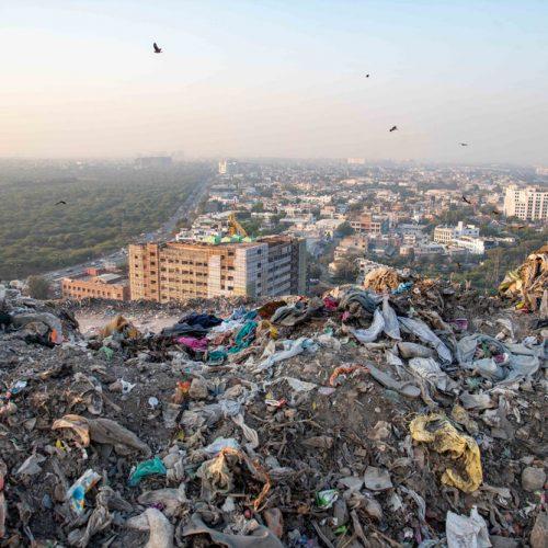 Inde: Nouvelles menaces sur la plus grande montagne de déchets du pays!
