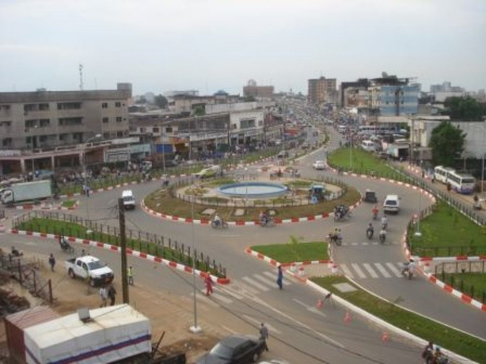 """Assainissement Urbain: La CUD lance la campagne """"Douala Proxy Clean""""!"""