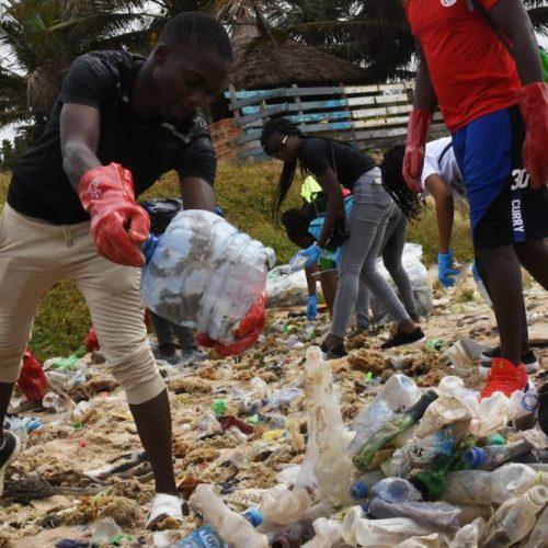 Commune de Garoua 3ème : Une campagne contre les déchets plastiques entamée