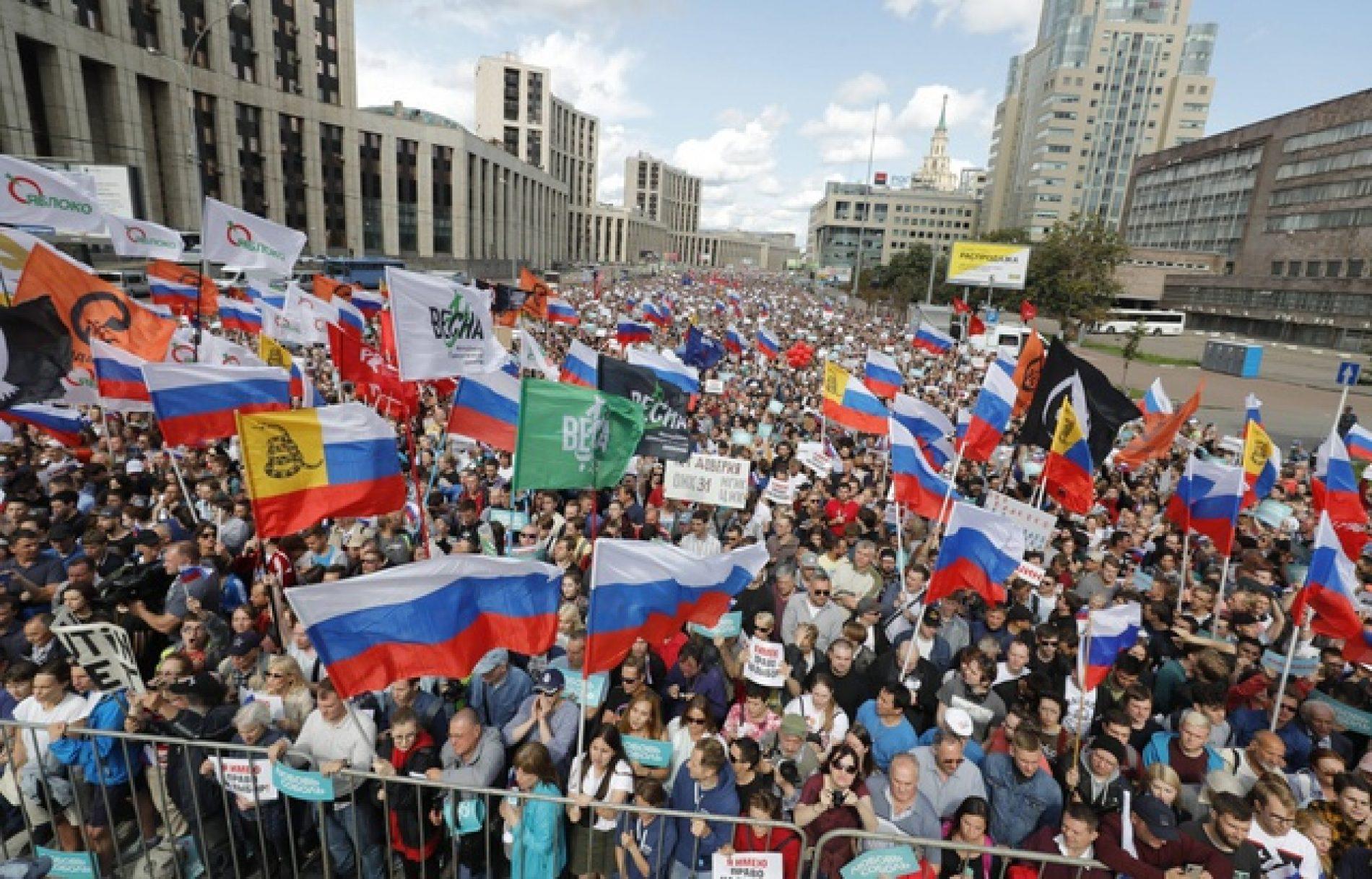 Russie : 20.000 manifestants réclament des élections locales libres !