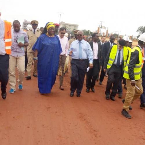 C2D Capitales Régionales : Célestine Ketcha Courtès évalue les travaux à Bertoua