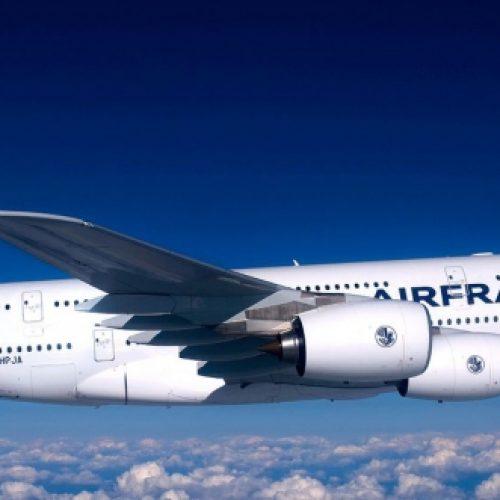 Transports intelligents: Air France va remplacer les cartes d'embarquement par la reconnaissance faciale