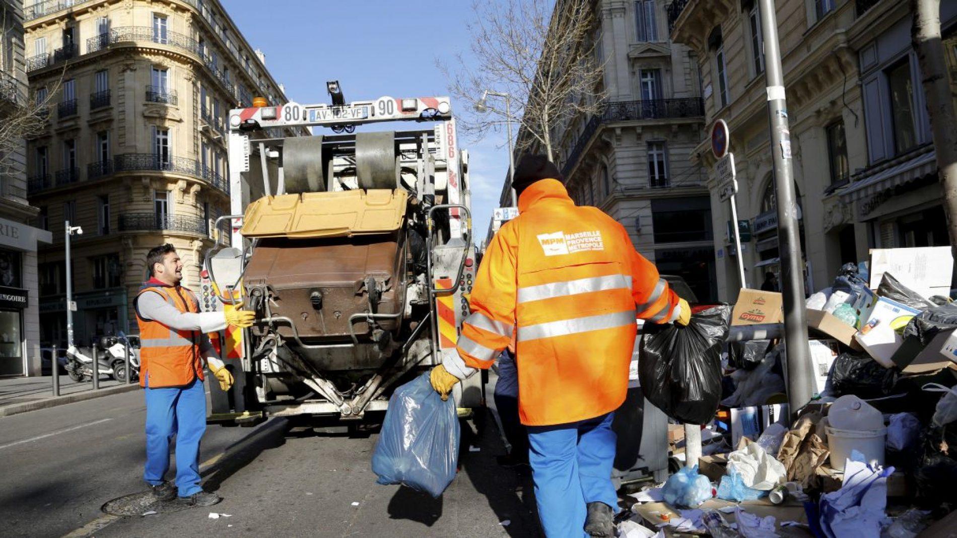 France : Un ramassage géant et une compétition des déchets organisés à Marseille