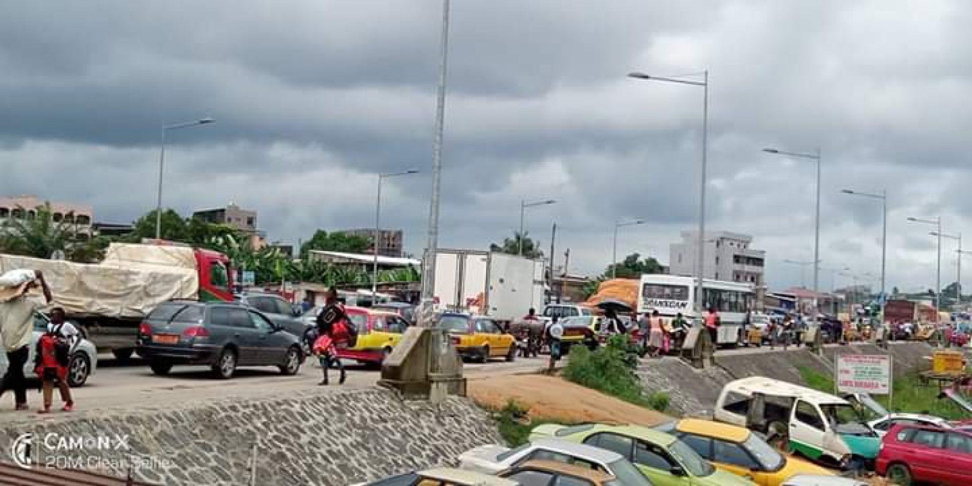 Douala – Pénétrante Est : La Préfecture du Wouri restreint la circulation des camions