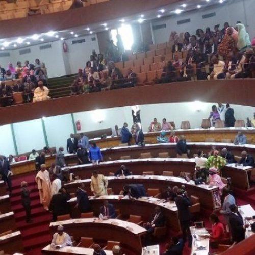 Comment se fait la répartition des sièges de députés aux législatives  ?