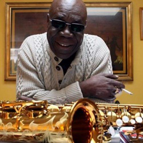 Manu Dibango : Le saxophoniste de légende a quitté la scène, emporté par le Covid-19