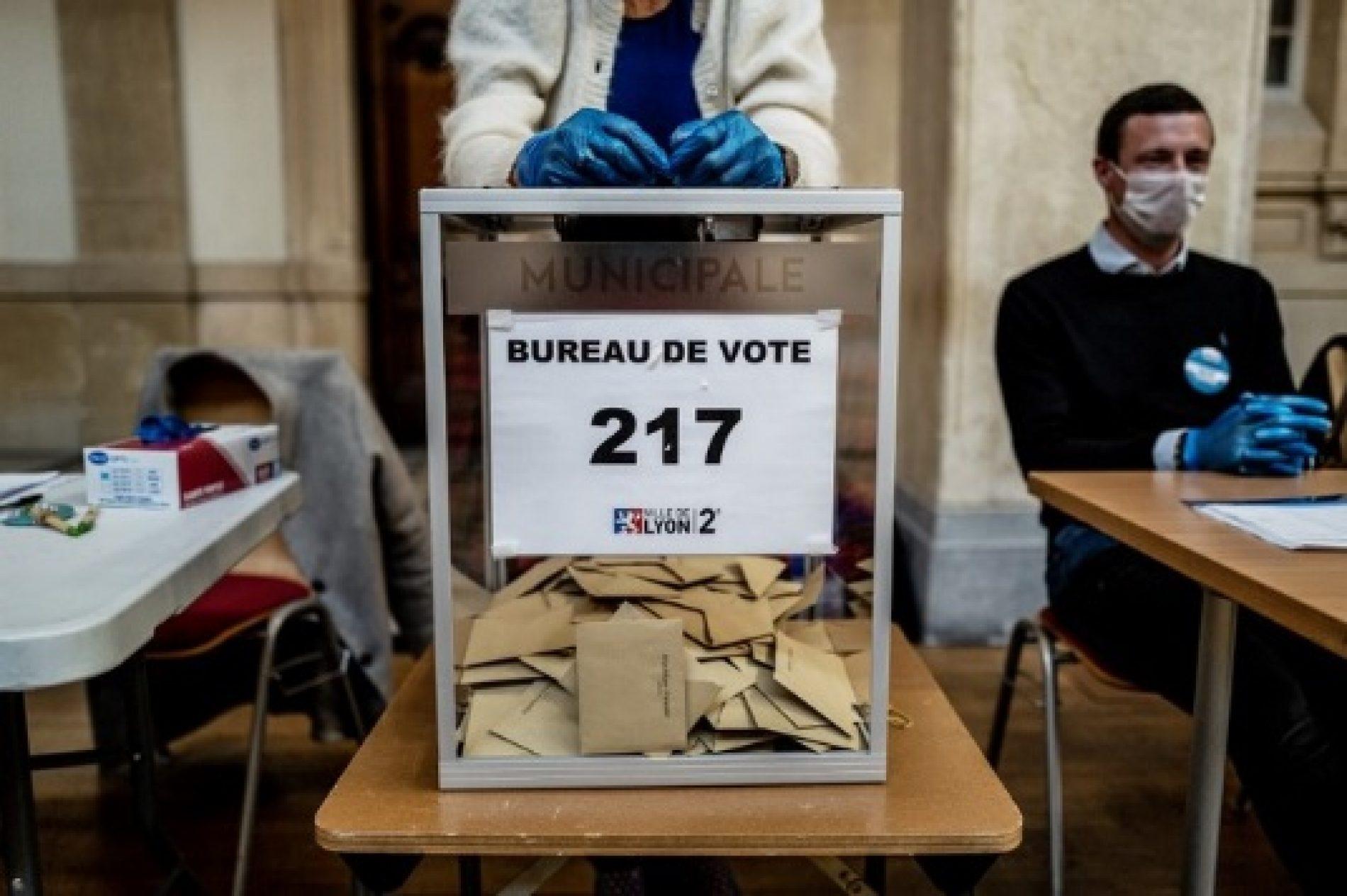 Municipales 2020: Près de 5.000 communes appelées à voter au 2ème tour en France