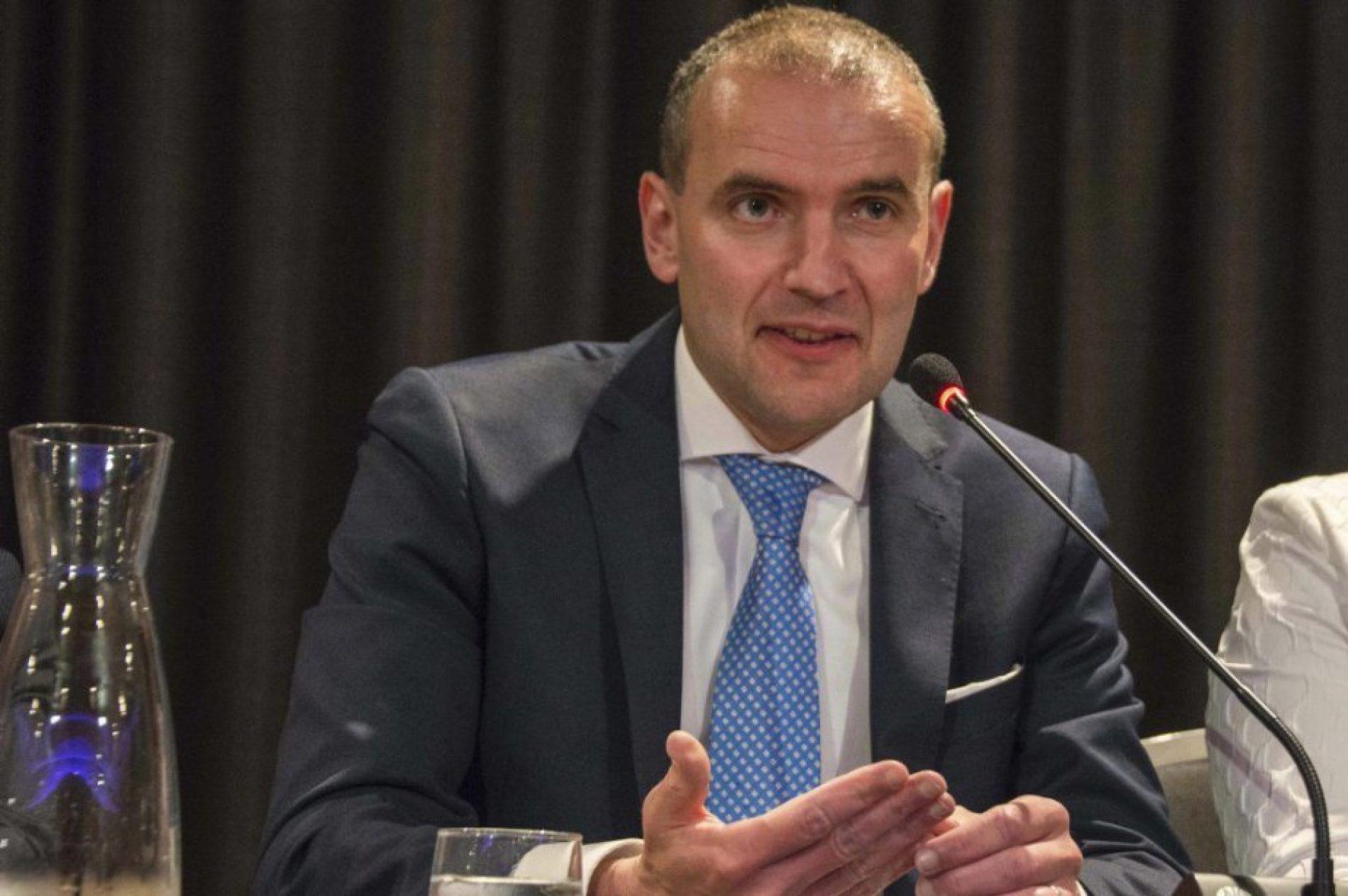 Islande: le président Gudni Johannesson réélu avec 92,2% des voix